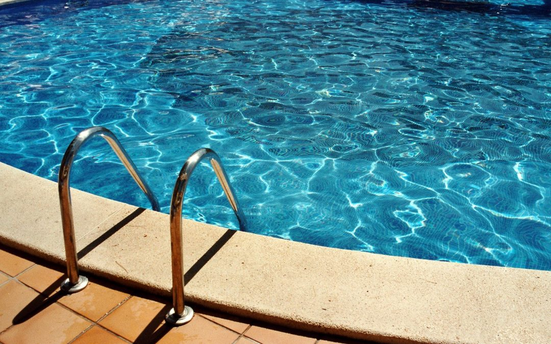 How to Check Your Pool's Water Properly