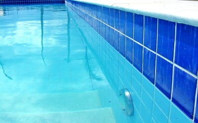 Early Signs Your Pool Needs Repairs